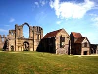 Castle Acre Priory - Norfolk - Castle