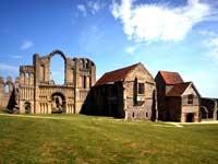 Castle Acre Priory - Norfolk - Castle